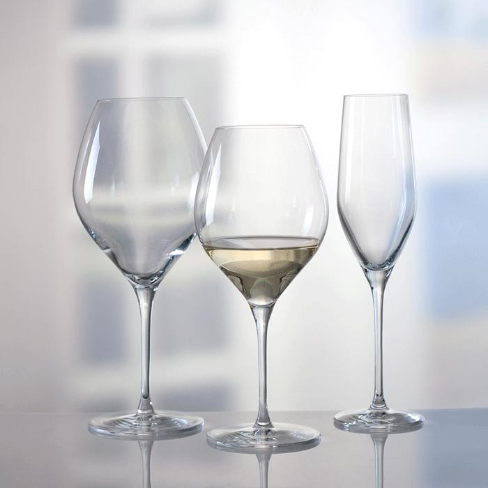 Reklamefoto af glas hos Oluf Brønnum & Co