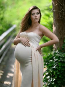 Gravidfotografering på tilbud er helt GRATIS her i sommeren 2020 - du betaler for de billeder du vælger - kontakt fotograf Peter Dahlerup