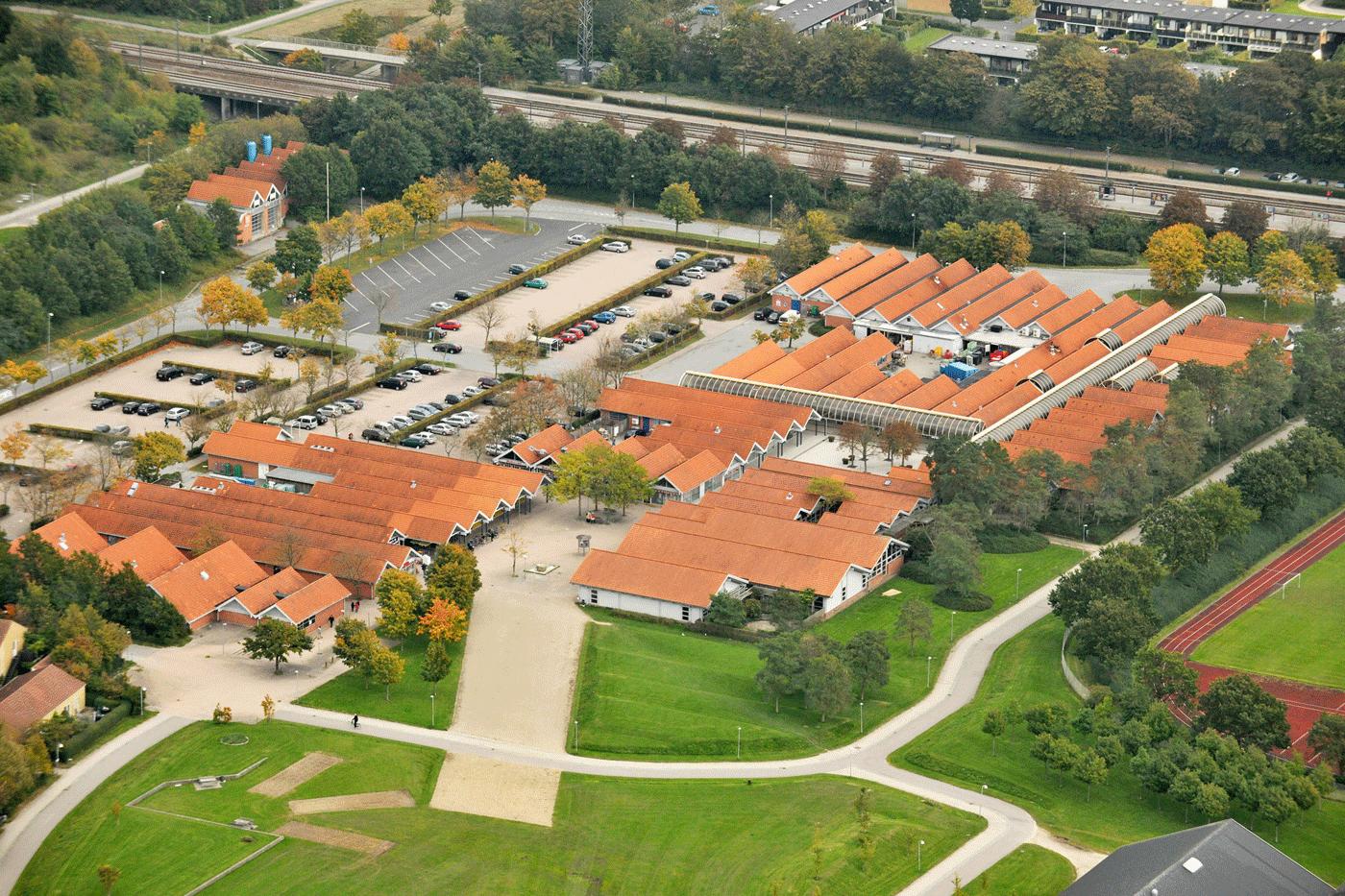 Luftfoto af Nivå Center kunne også laves som dronefoto til billig pris af fotograf Peter Dahlerup